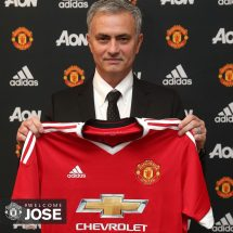 United Announce Morinho as the new Manager.