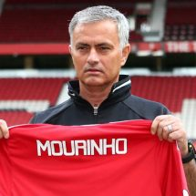 Mourinho hopes United players will bond in China