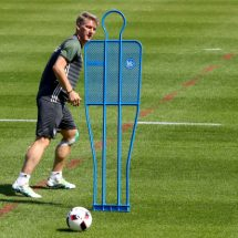 Schweinsteiger rules move away from United