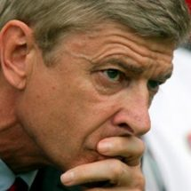 Arsenal employee provokes Wenger to sign players by resigning