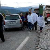 Rescuers race to find survivors in Italy