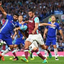 Costa's late goal awards Chelsea their first season win