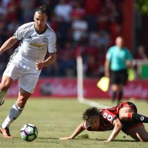 Ibra scores as Mourinho starts with Manchaster United victory