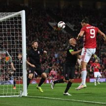 Ibrahimovic goal give united third win