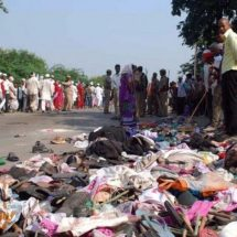 Dozens lose life in India stampede on their way to Hindu religious