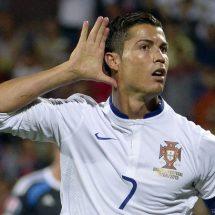 Ronaldo agrees to sign new deal
