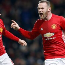 Manchester United stay alive in Europe, thrash Feyenoord 4-0