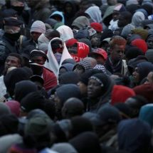 Thousands of refugees forced from camp in Paris