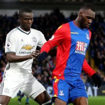 United defender suffer new injury during Palace match
