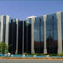 Nigeria central bank to auction dollars for fuel import