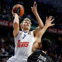 The Whites rack up their ninth EuroLeague victory, 95-72