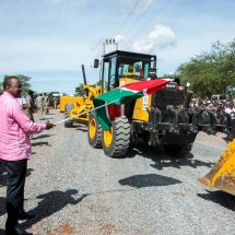 Ensure youth get jobs in this project, Uhuru Kenyatta urge contractors
