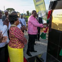 Dignitaries join Kenyatta in Joint Launch of Katua-Kee-Nunguni Road in Makueni County