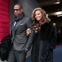 JayZ, Beyonce  announce that they are expecting twins