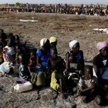 South Sudanese eat weeds and water lilies to survive over drought crisis