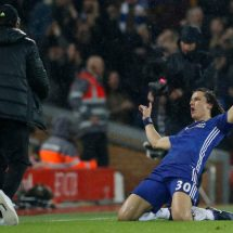 Chelsea moves nine points clear despite 1-1 draw with Liverpool