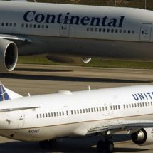United Continental  report sharply lower-first quarter earnings
