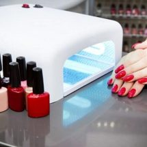 Dermatologists report that gel manicure could give you skin cancer